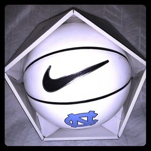 "NIKE ""CAROLINA"" BASKETBALL (Size: 29.5) -NWB"